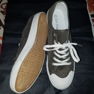 NWOT Casual Corduroy Lace Up Shoes